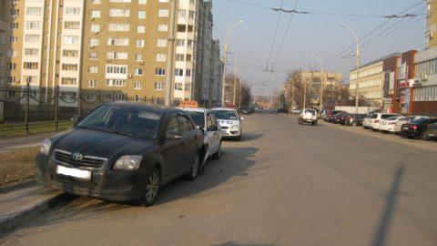 Такси «протаранило» иномарку в областном центре
