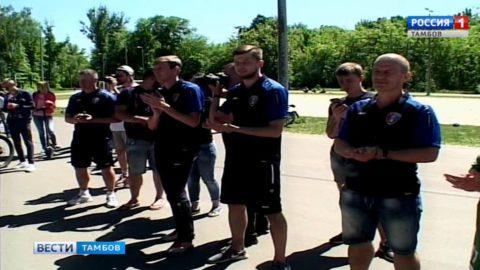 Тамбовские красавицы сыграли в футбол