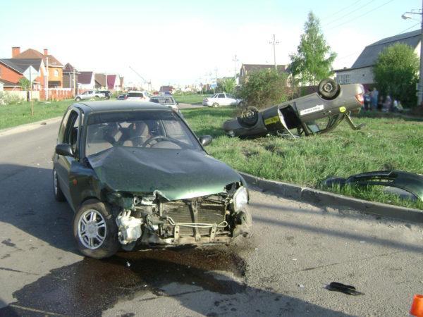 В Тамбове столкнулись Nissan и Priora