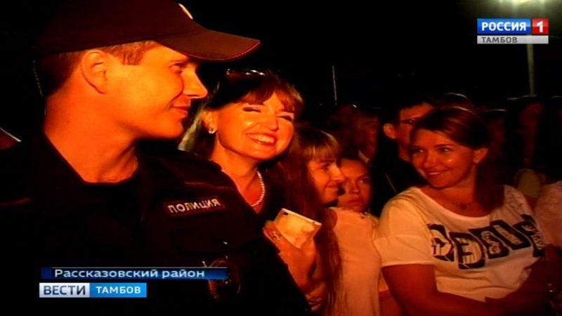 Литературно-музыкальный праздник в Коптево завершили концертом с московской звездой