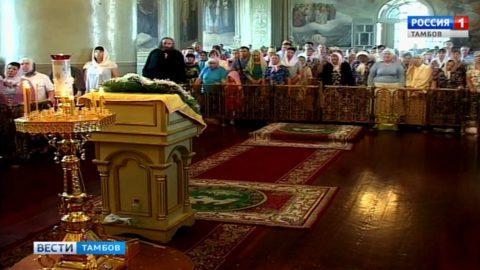 Память апостолов Петра и Павла почтили в Спасо-Преображенском кафедральном соборе