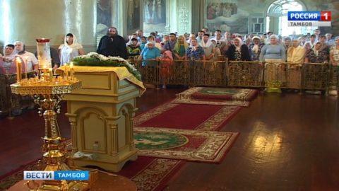 Православные вспоминают подвиги Святых Петра и Павла