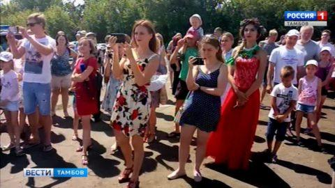 В Уварове торжественно открыли третий фестиваль «Вишневый сад»