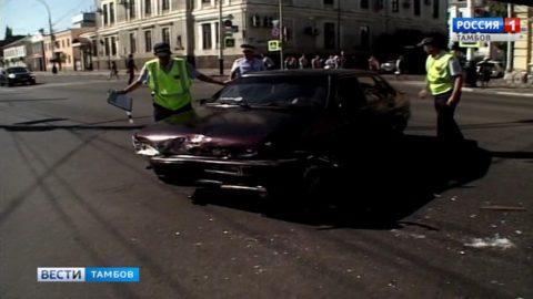 Nissan и ВАЗ не поделили дорогу в центре Тамбова