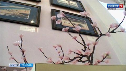 Гейши и самураи: в краеведческом музее открыли выставку японской графики