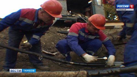 На севере Тамбова устраняют порывы в электросети