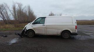 В Мичуринском районе столкнулись Volkswagen и УАЗ: пострадала женщина