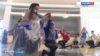 «Реверанс 19-ого века»: в «Школе «Сколково-Тамбов» устроили бал