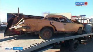 Искорёженный автомобиль и чёрные воздушные шары: в Тамбове почтили память жертв ДТП