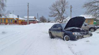 В Рассказове Hyundai Elantra и Lada Granta «не поделили» дорогу