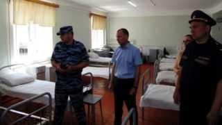 Осужденные пожаловались Владимиру Репину на некачественную пищу и оказание медпомощи