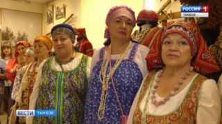 Косоворотки и поневы: в музее истории ТГУ имени Державина показали народные костюмы начала XX века