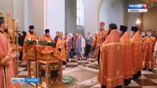 Владыка Феодосий совершил вечернюю службу в Вознесенском соборе накануне дня памяти пророка Илии